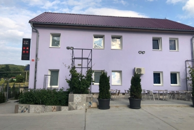 IRON CUBE hostel